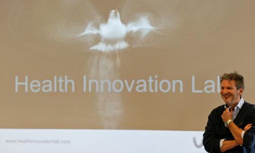 Hein-Dijksterhuis-opening-Health-Innovation-Lab