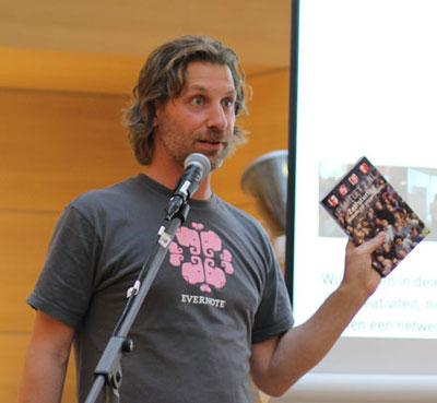 Martijn Aslander met boek Zelfsturing